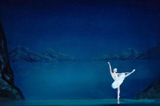 舞天鹅_俄罗斯国家明星芭蕾舞团《明星版天鹅湖》