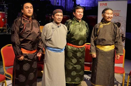 恒哈图乐队演唱会