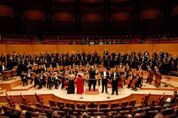 德国广播交响乐团及德国拜仁州雷根斯堡爱乐合唱团新年音乐会