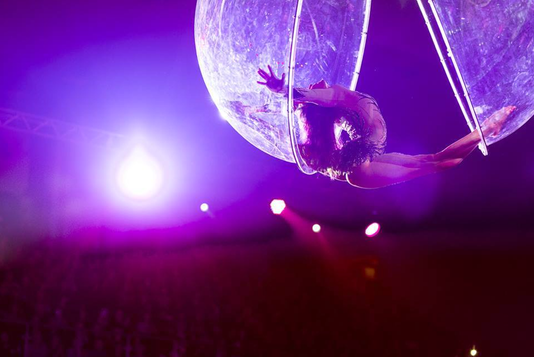 空中水晶球