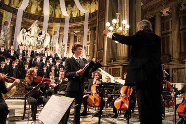 巴黎圣十字男童合唱团音乐会