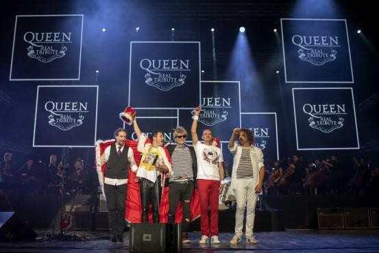 皇后致敬乐队演唱会