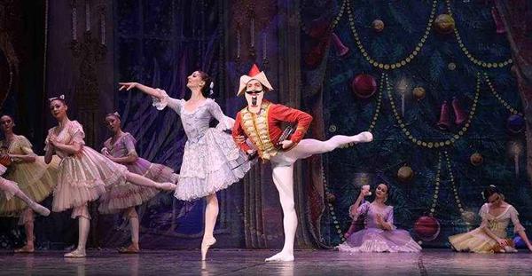芭蕾舞胡桃夹子