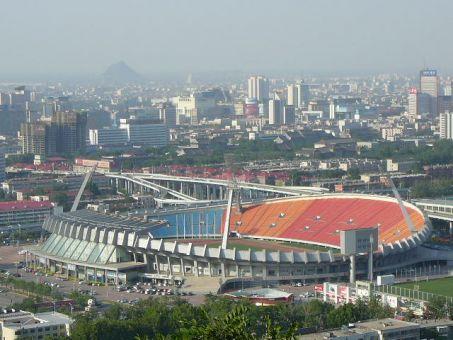山东省体育中心体育场
