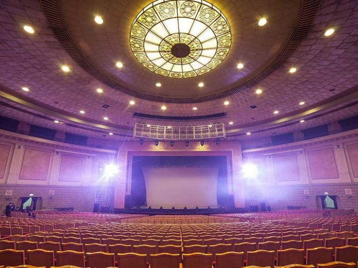 世纪剧院内部装饰图