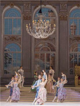 意大利圣卡罗剧院芭蕾舞团灰姑娘_舞蹈灰姑娘门票