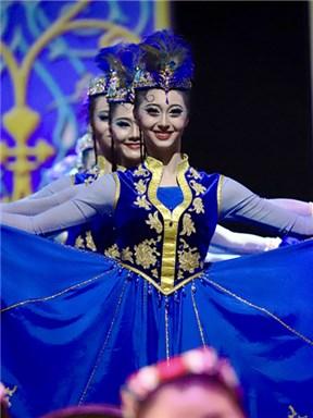 北京舞蹈学院民族传统乐舞集《沉香伍》